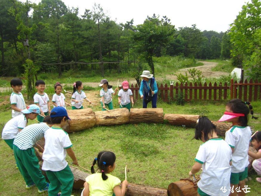 [크기변환][사진자료]북부지방산림청 무더운 여름!  숲을 이야기하는 '산림교육전문가'.JPG
