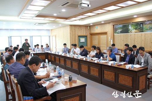 지역 산림산업 육성형 특화 R&D사업 발굴을 위한 현장간담회 (1).jpg