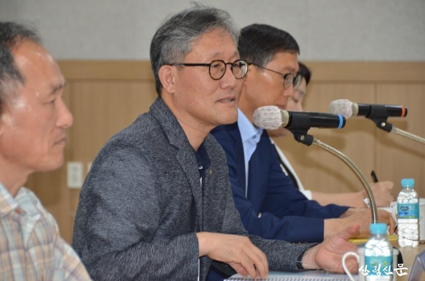 [사진자료]김재현 산림청장  북부지방산림청을 가다 (5).JPG