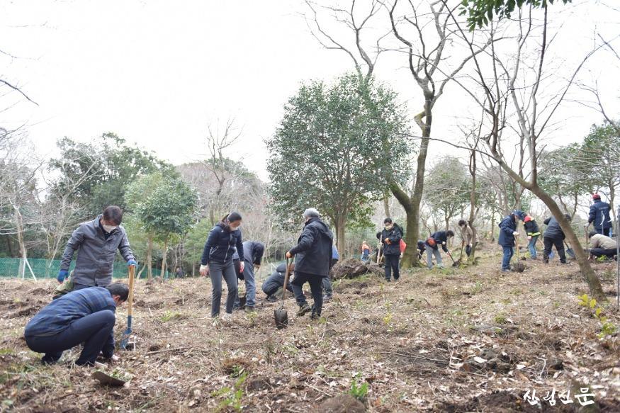 나무심기 행사 사진(국립산림과학원) (4).JPG