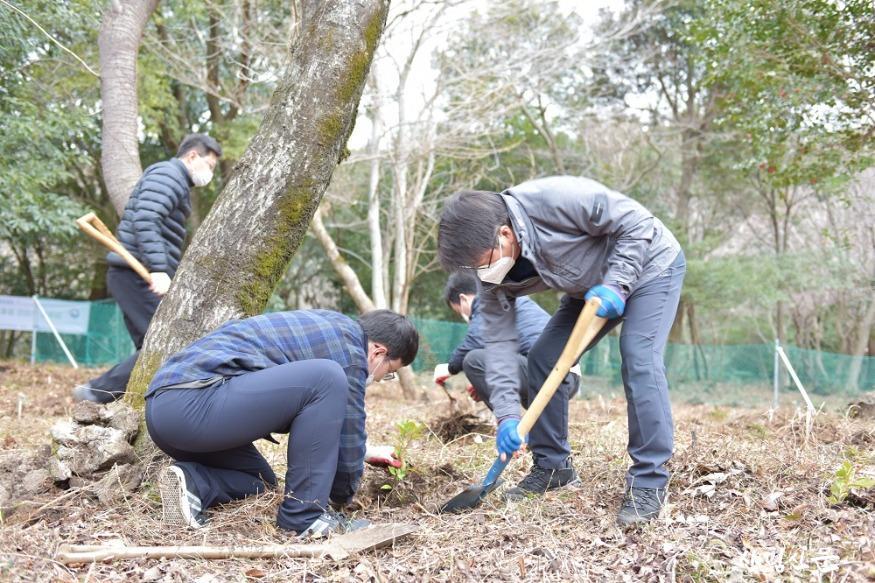 나무심기 행사 사진(국립산림과학원) (1).JPG
