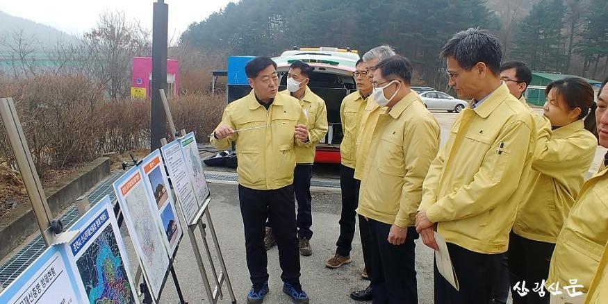 사진1_춘천지역 소나무재선충병 방제 사업장 집중 점검.jpg