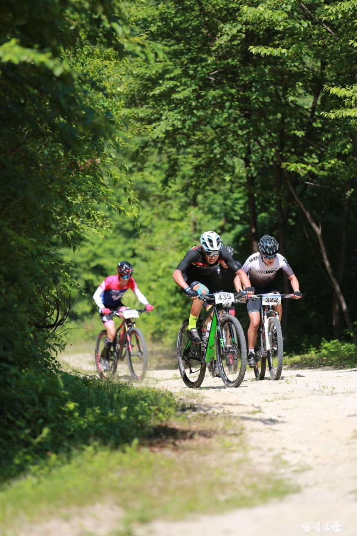 사진2_산림레포츠 산악자전거.jpg
