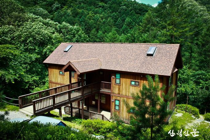 (사진2) 경기도 양평에 있는 국립중미산자연휴양림 연립동 전경입니다..jpg