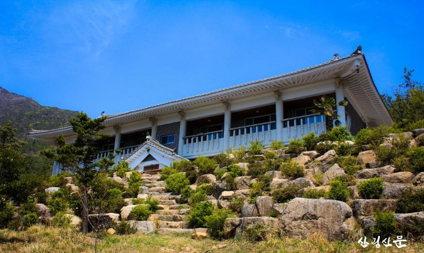 (사진 1) 낙인민속자연휴양림 산림문화휴양관(전남 순천)입니다..jpg