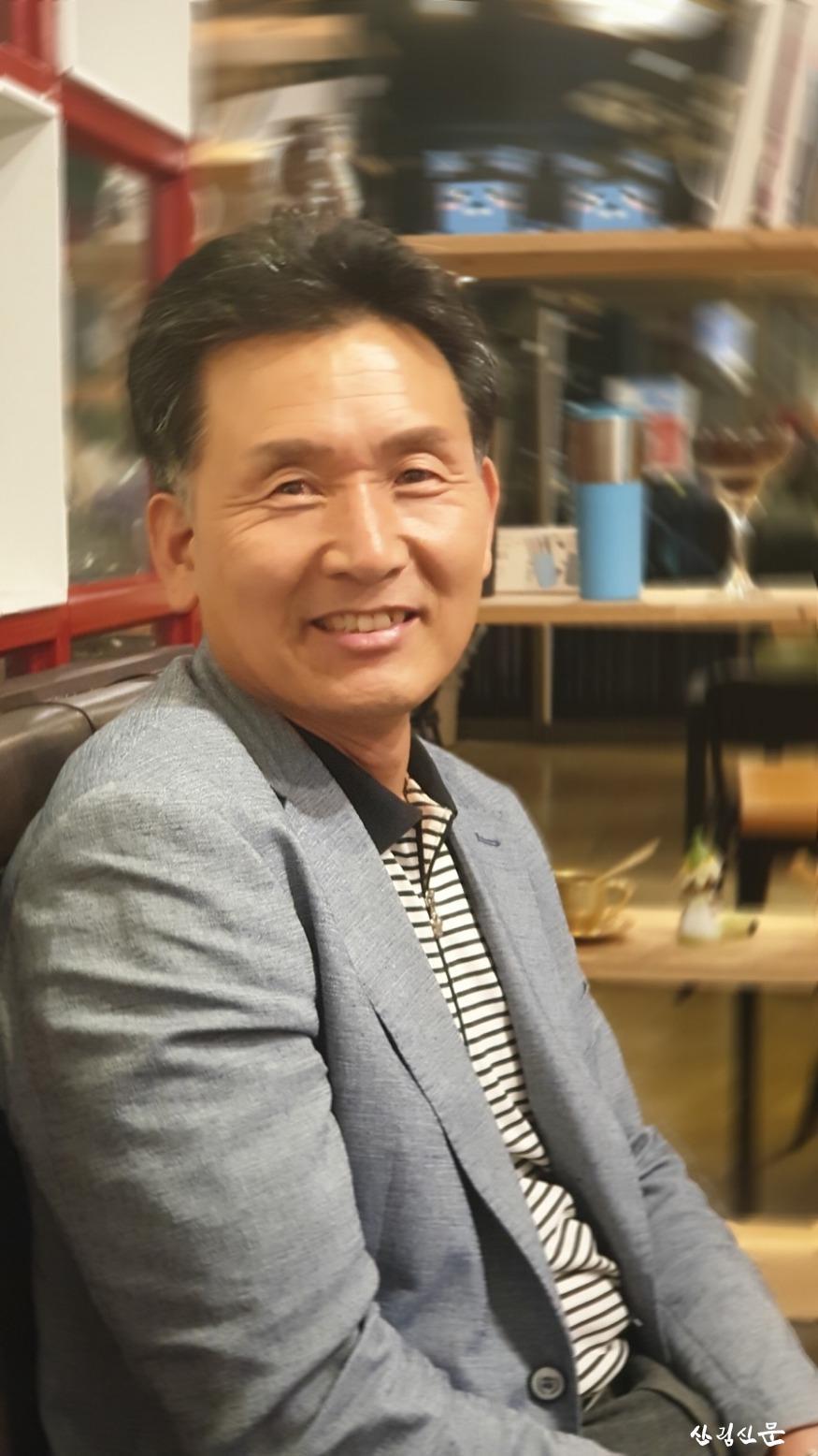 진안군산악연맹제3대회장 동창옥.jpg